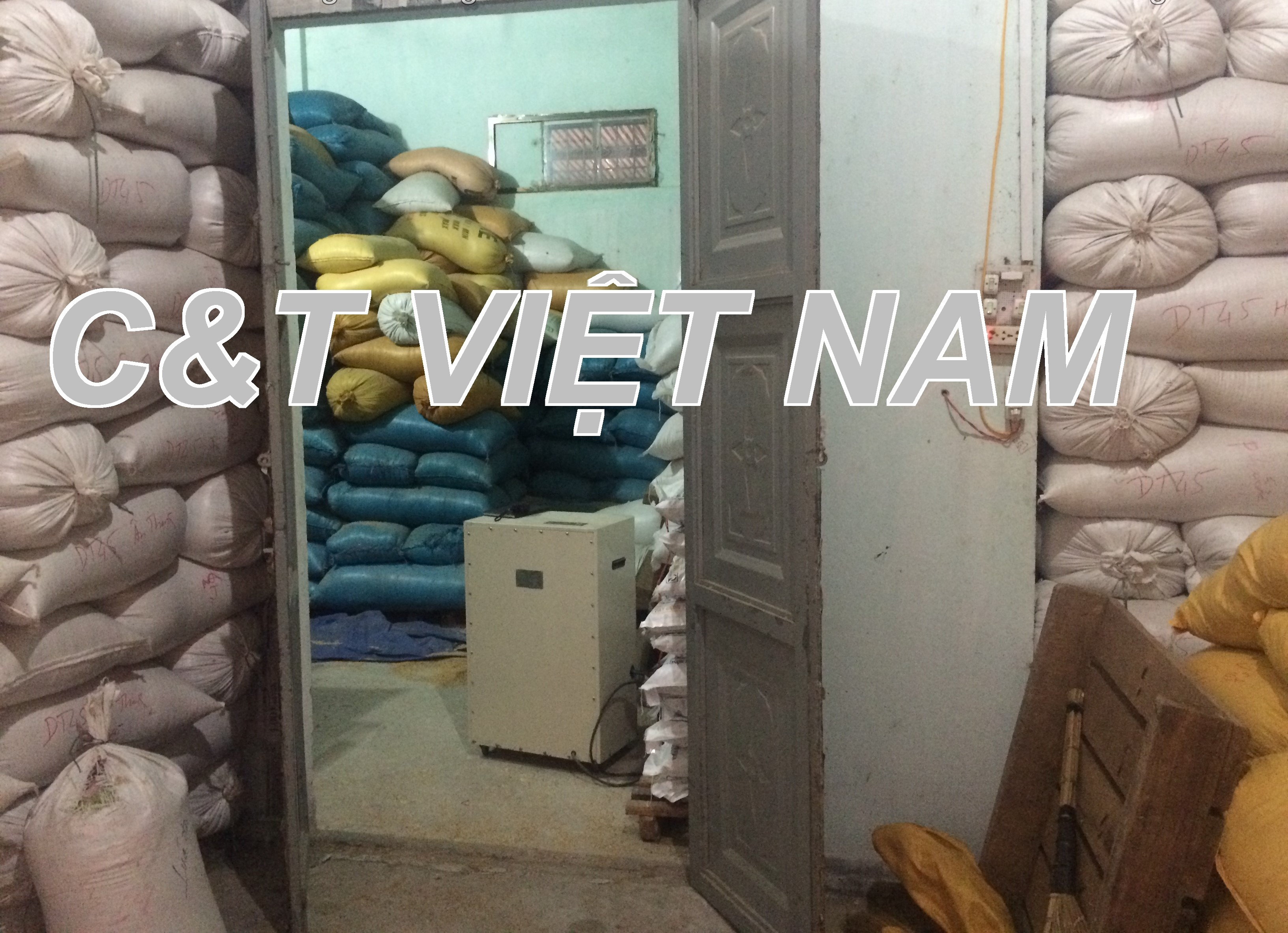 Lúa được tích trữ trong phòng khép kin